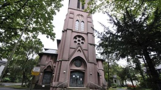 Mitten in der Nacht erklangen in der Lutherkirche die Glocken. Anwohner riefen erschrocken die Polizei.