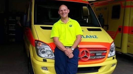 Rettungssanitäter Horst Heckendorn hat in 30 Jahren einiges erlebt. Das hat er in zwei Büchern verarbeitet.