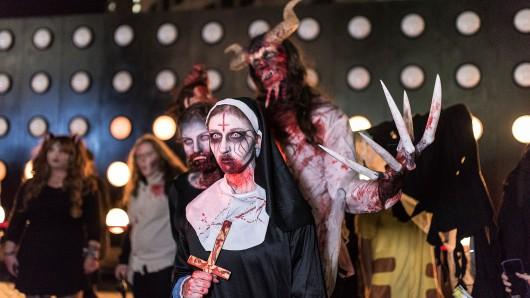 Im vergangenen Jahr zog der Zombie Walk noch durch die Essener Innenstadt - trotz Light Festival.