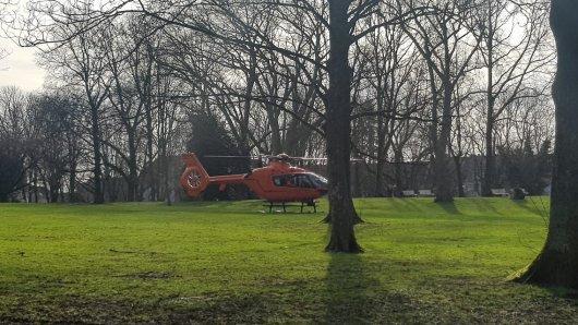 In Essen landet ein Rettungshubschrauber im Gervinuspark.