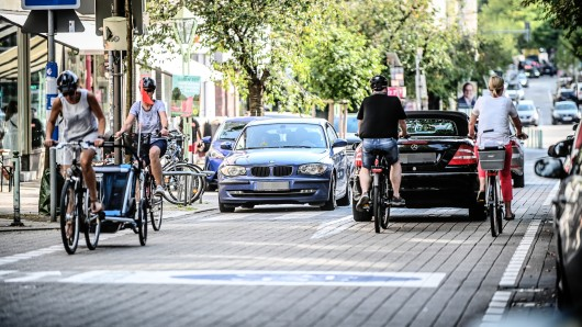 Die Rüttenscheider Straße ist zur Fahrradstraße geworden. Doch das bedeutet auch viel Stress.