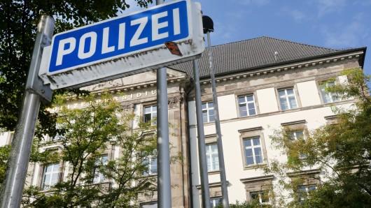30 Beamte der Polizei Essen wurden suspendiert, nachdem rechtsextreme Chatgruppen dort aufgeflogen waren.