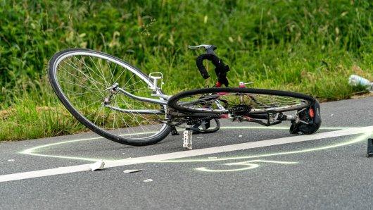 Essen: Am Samstag verstab ein Radfahrer nach einem Unfall. (Symbolbild)