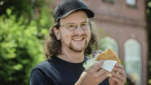 Ein Essener testet sich durch die Döner im Revier. Bei Instagram bewertet er seine kulinarischen Genüsse.
