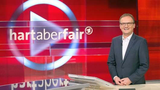 """Frank Plasberg bei """"Hart aber fair"""" in der ARD."""
