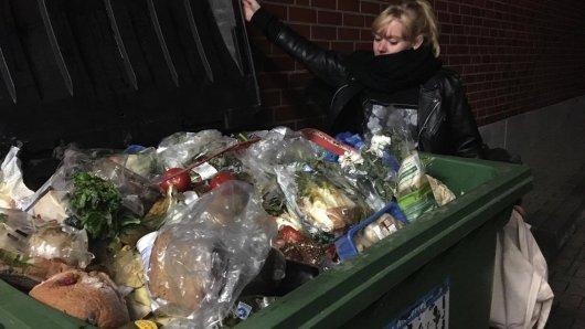Containern ist die symbolische Weltverbesserung. Oder doch das erfolglose Rumwühlen im Müll?