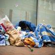 In der kalten Jahreszeit ist das Leben auf der Straße schwieriger. Bei Minustemperaturen gibt es in vielen Städten Hilfe für Obdachlose.