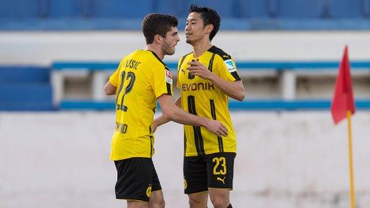 Torschütze für den BVB: Christian Pulisic (l.), hier mit Shinji Kagawa.