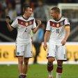 Lukas Podolski (r.) mit Kevin Großkreutz.