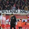Einige Fans des 1. FC Köln haben eine klare Meinung.
