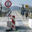 Die Pontonbrücke ist am Mittwoch, 21.02.2018 in Bochum Dahlhausen für den Autoverkehr gesperrt. Foto: Ingo Otto / FUNKE Foto Services