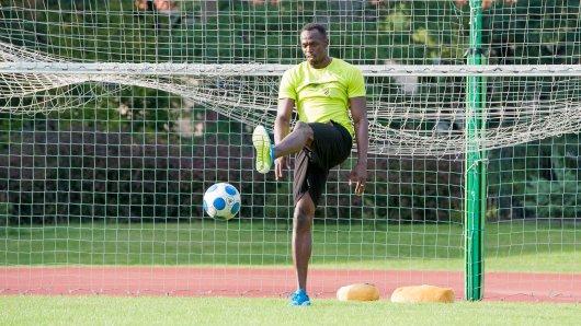 Spielt gern Fußball: Usain Bolt.
