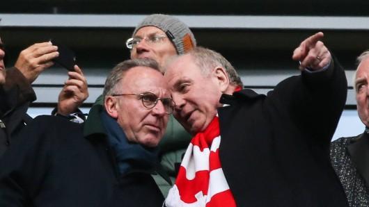 Diskutieren über den neuen Trainer: Bayerns Bosse Karl-Heinz Rummenigge (l.) und Uli Hoeneß (r.).