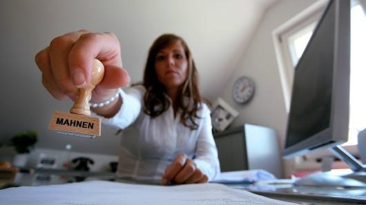 Eine Mülheimerin berichtet über eine Abmahnung wegen einem Stück Merci-Schokolade.
