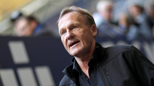 BVB-Boss Hans-Joachim Watzke erzählt, wie das Attentat die Profis von Borussia Dortmund belastet hat.