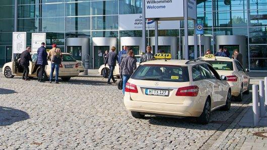 Die Drehtüren am Flughafen München bewegen sich sehr langsam - nicht ohne Grund.