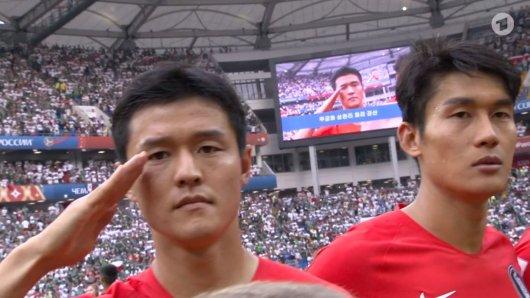 Manche Spieler aus Südkorea mussten salutieren, andere nicht.