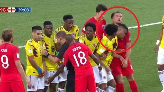 Im Spiel zwischen Kolumbien und England bei der WM 2018 kam es zu einer unschönen Szene.