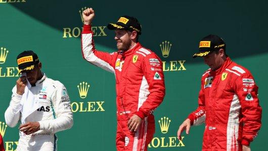 Sebastian Vettel feierte in Silverstone seinen vierten Saisonsieg. Lewis Hamilton (l.) landete auf Rang zwei, Dritter wurde der Finne Kimi Räikkönen.