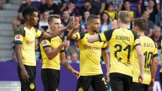 Die Dortmunder jubeln über den Treffer von Isak.