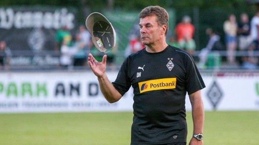 Trainer Dieter Hecking von Borussia Mönchengladbach