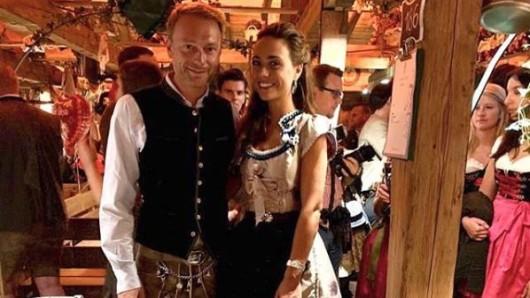 Christian Lindner mit seiner Partnerin Franca Lehfeldt auf dem Oktoberfest.