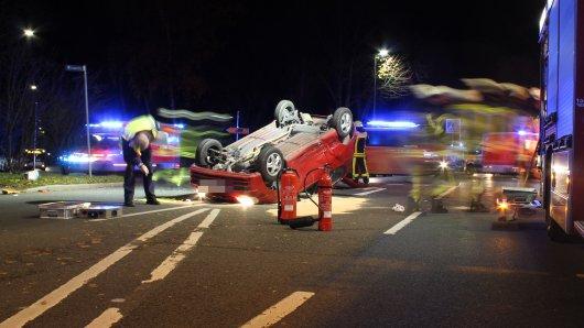 Unfall auf der Kreuzung zur Wasserstraße in Bochum.