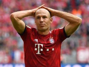 Von einem Titelkampf mit dem BVB will Arjen Robben derzeit nichts wissen.