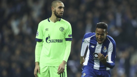 Porto bezwingt Schalke: Da konnte S04-Profi Nabil Bentaleb nur noch staunend hinterherschauen.