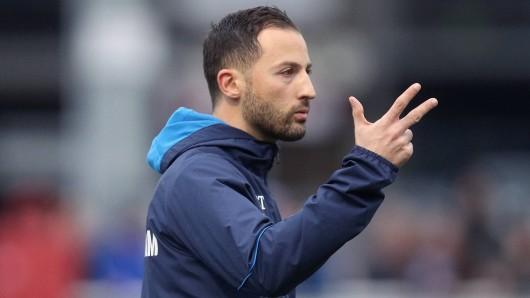 Vor dem Spiel zwischen Schalke und Dortmund hat Domenico Tedesco einen BVB-Star ganz besonders hervorgehoben.