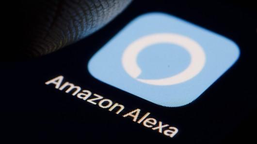 Der Sprachassistent Alexa von Amazon erntet immer wieder Kritik von den Nutzern.