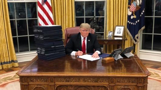 Dieses Foto postete US-Präsident Donald Trump auf seinem Twitter-Account am Samstag.