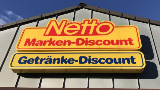Netto-Logo an einer Netto-Filiale.