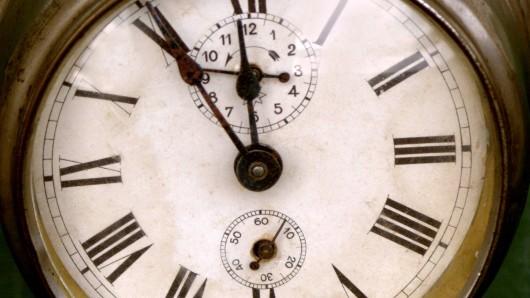 Auf manchen Uhren sieht man immer noch IIII statt IV für die Zahl 4 stehen.