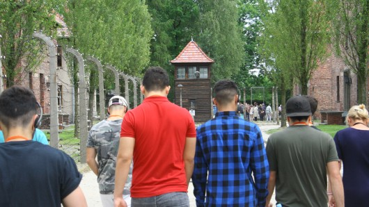Junge Muslime besuchten das KZ Auschwitz.