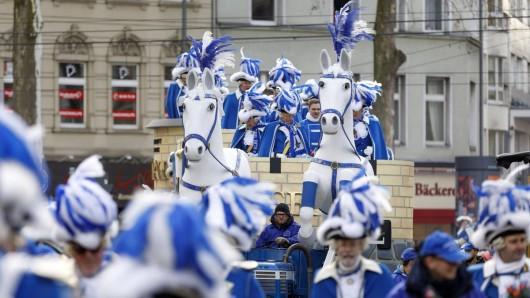 Stören den diesjährigen Karnevalsumzug am Rosenmontag in Köln linke Aktivisten?