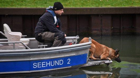 Leichenspürhunde der Polizei NRW suchen nach der vermissten Rebecca Reusch. (Archivfoto)