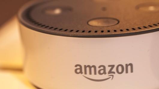 Tausende Amazon-Mitarbeiter hören weltweit private Gesprächen über Alexa zu. (Symbolbild)