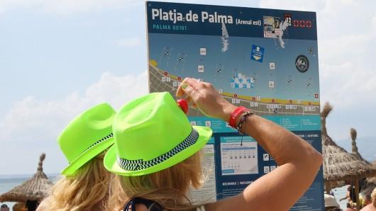 Mallorca führt neue Benimmregeln für Party-Touristen ein. (Symbolbild)