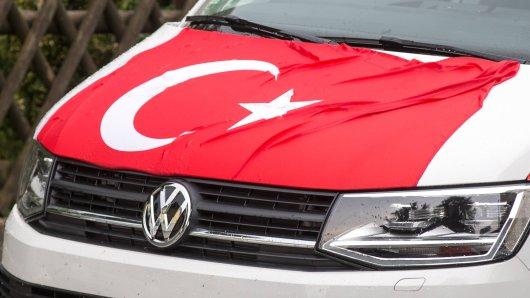 Eine türkische Hochzeit sorgte in Herten für Straßenchaos am Samstagnachmittag. (Symbolbild)