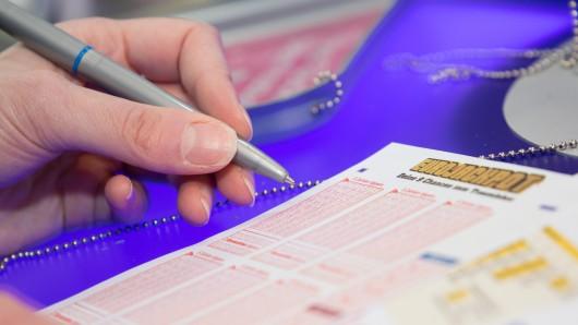 Lotto: In der Live-Ziehung am Samstag passierte im Studio eine Panne. (Symbolbild)