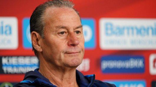 Schalke-Trainer Huub Stevens hat bei der Pressekonferenz vor dem Spiel gegen Stuttgart eine flammende Rede gehalten.