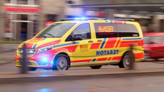 In Duisburg wurde eine Sanitäterin zum Einsatz gerufen. Vor Ort erlebte sie eine Riesenüberraschung. (Symbolbild)
