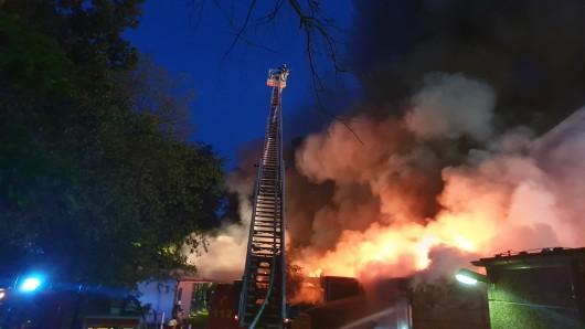 Die Schule in Erkrath steht in Flammen.