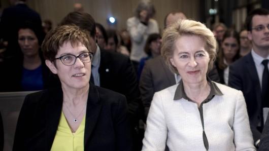 Annegret Kramp-Karrenbauer und Ursula von der Leyen.