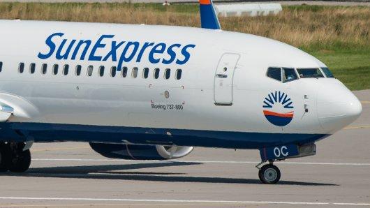 Sunexpress hat etliche Fluggäste am Flughafen sitzen lassen.