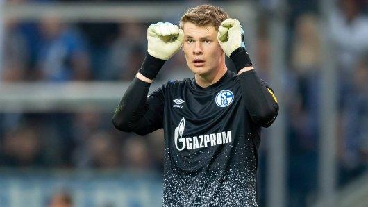 Schalke-Torwart Alexander Nübel sorgte im Duell gegen Gladbach für eine königsblaue Schrecksekunde.
