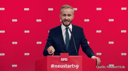 Jan Böhmermann will für den Vorsitz der SPD kandidieren.