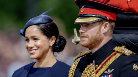 Royals: Nach übler Kritik nehmen Meghan Markle und Prinz Harry eine Planänderung ihrer bevorstehenden Reise nach Südafrika vor.