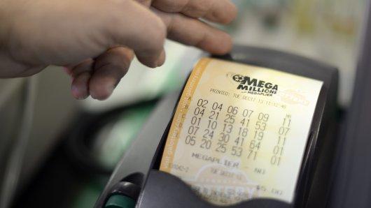 Eine Mutter aus den USA konnte sich über ihren Lotto-Gewinn nur kurz freuen. (Symbolbild)